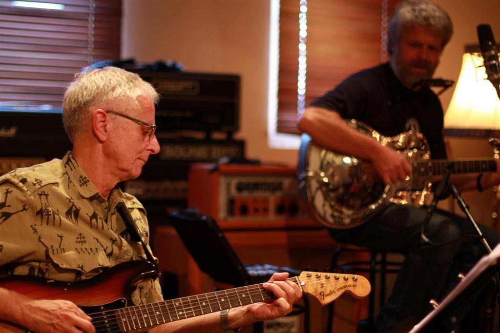 Tom Eriksen mit seiner Stratocaster